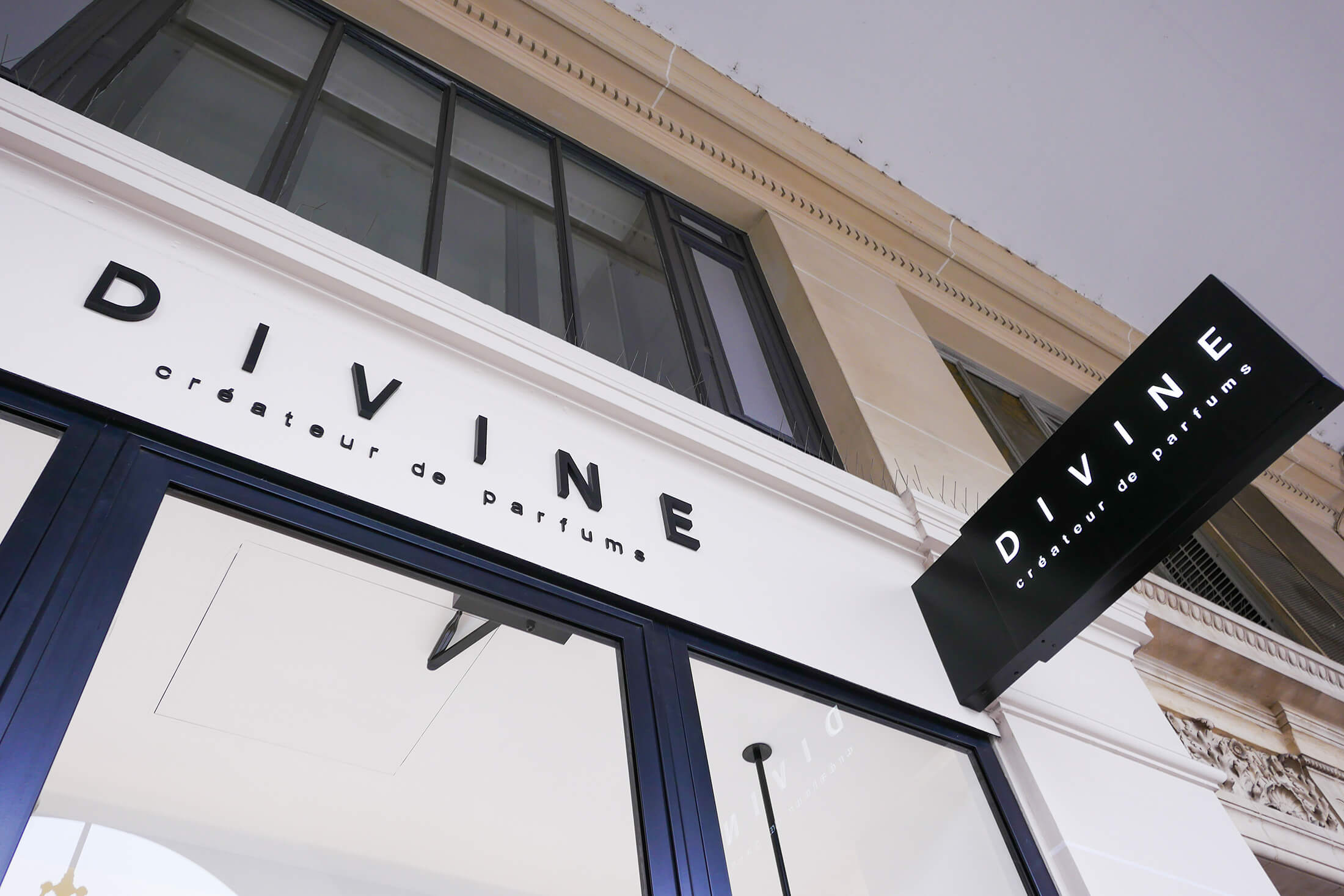 boutique divine france et international